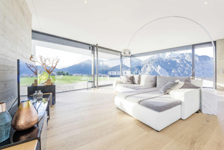 Oversize and frameless glazing